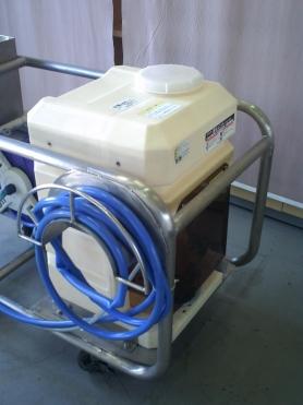 殺菌水供給機